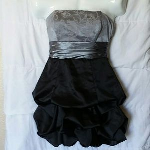 Dresses & Skirts - Silky Speechless black and silver ruffle dress